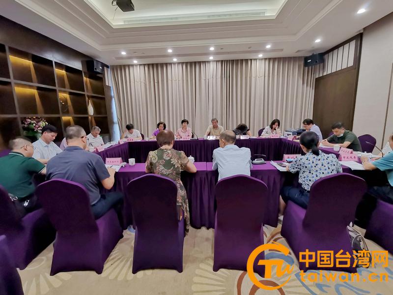 广西台办主任李东兴到百色市调研台籍高层次人才优惠政策情况
