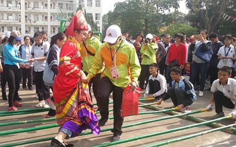 桂台青少年在广西开展校园民族文化交流活动