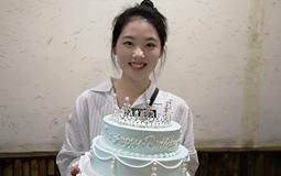 台籍空姐大陆庆生:通过转正考试是最好的生日礼物