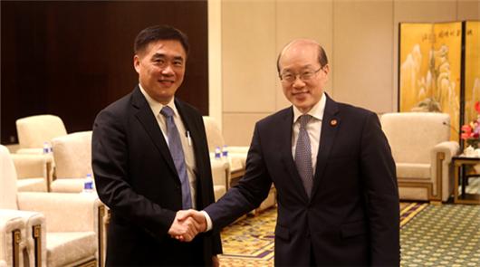 中共中央台办、国务院台办主任刘结一6日在厦门会见了前来出席第十届海峡论坛的……