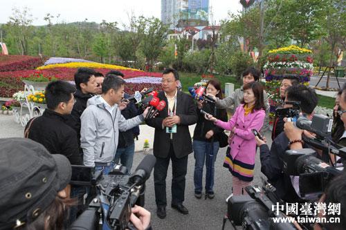 """举办""""台湾媒体看青岛""""采访活动"""