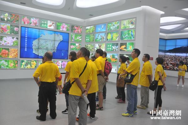 瓊籍台胞鄉親到海南省博物館參觀
