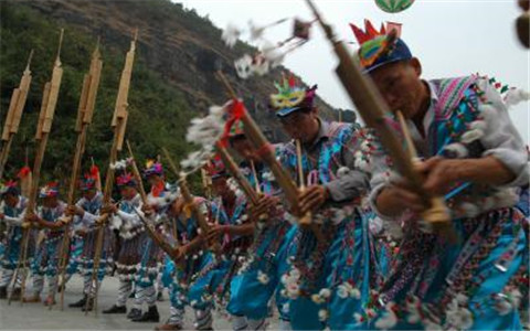 台湾花莲市社区发展协会参访团体验广西龙胜县侗族文化
