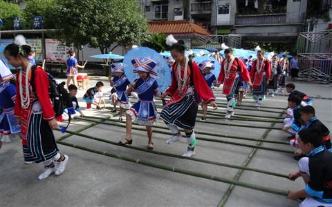 桂台(金花)两地小学开展交流活动