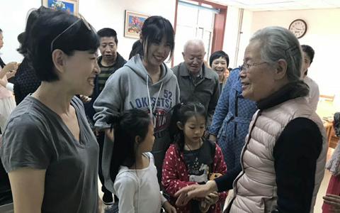 """大连市台协妇女会成功开展""""九九重阳 爱心久久""""活动"""