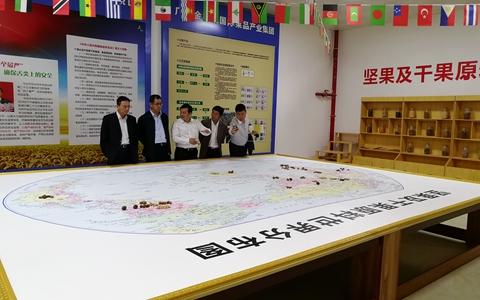 世界500强企业仁宝集团副总经理张永南一行到广西崇左考察