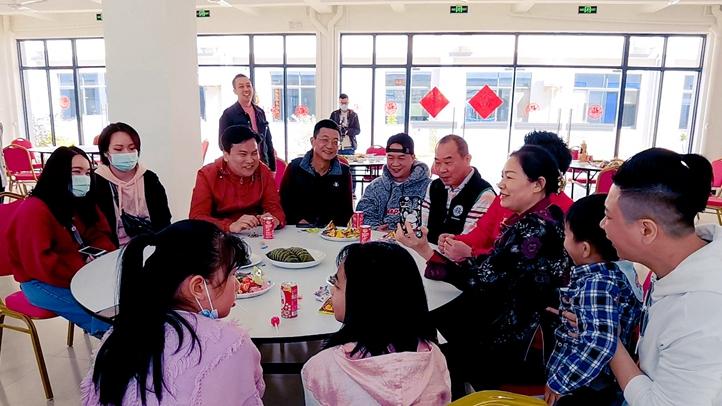 在广西南宁过年台商台胞吃上暖心年夜饭