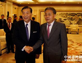 郭树清会见台湾贸易中心董事长王志刚