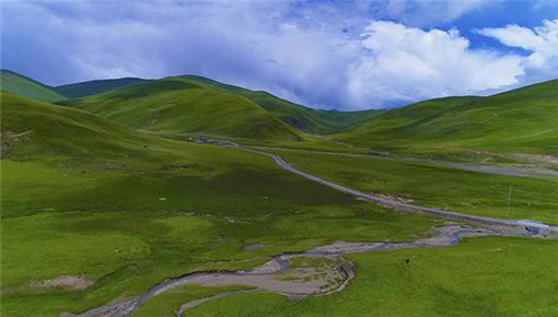 航拍甘孜:4000米海拔之上的飞行