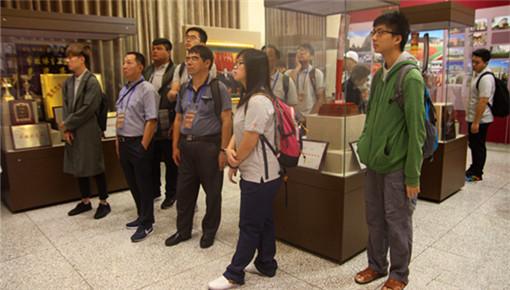 台湾史暑期研习营走进哈工大 两岸学子分享新媒体创作