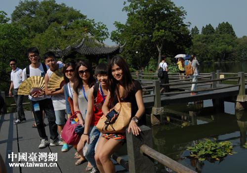 台胞青年夏令营营员游水乡乌镇 赏杭州美景(图)