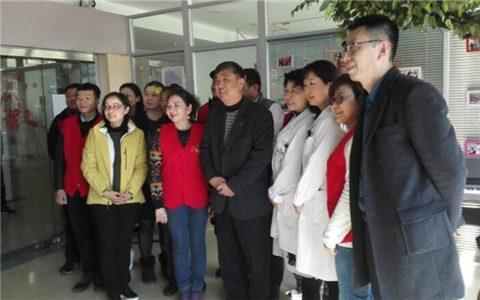 上海闵行工委会与儿科医院住院儿童同庆新年