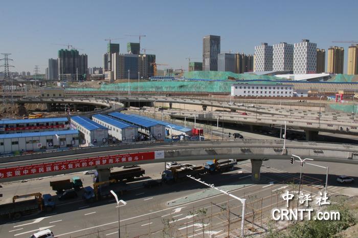 团昨日开始西部行最后一站,在新疆参观了位于乌鲁木齐的高铁平台和