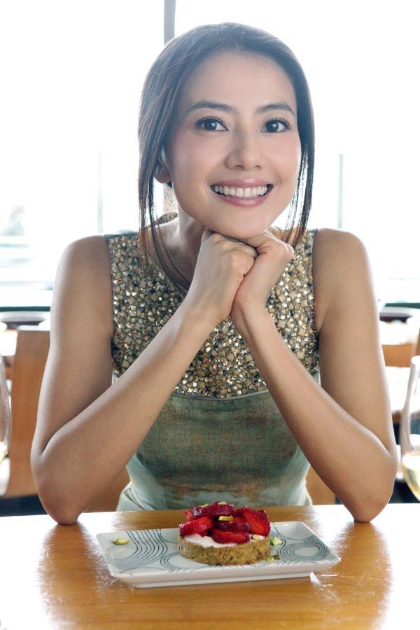 高圆圆怀孕新闻_高圆圆陈乔恩霍思燕 娱乐圈中热爱美食的女星们_新闻