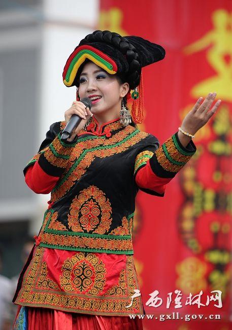 女生激情隆林广西同胞喜欢彝族火把节什么男生后两岸欢庆90图片