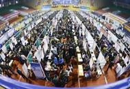 湖北举办大型专场招聘会 千余岗位吸引数百台湾青年