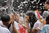 台湾新北市举办泼水节