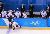 朝韩女子冰球联队亮相 赢得全场欢呼