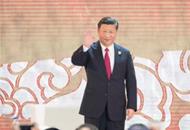 习近平抵达河内开始对越南社会主义共和国进行国事访问