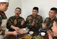 """""""大厨""""班长十四年警营过年 原因:战友吃惯了我做的年夜饭!"""