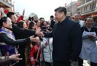 村民对总书记说,您是人民的好领袖;习近平回答,我是人民的勤务员