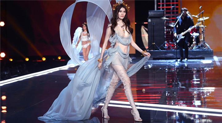 2017维密年度秀:青花瓷+中国女神