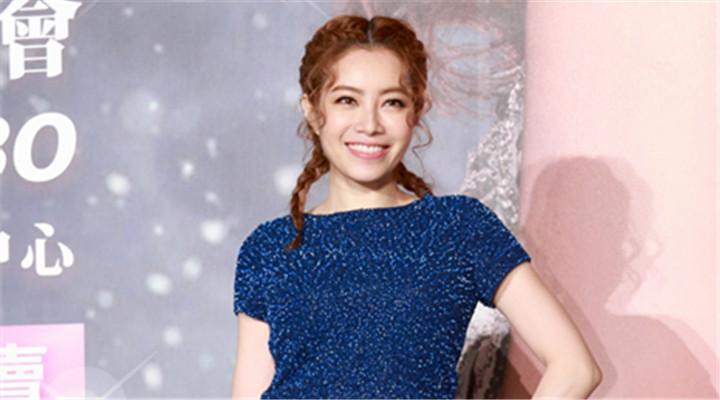 徐怀钰出道20年后再战舞台 依旧是女生