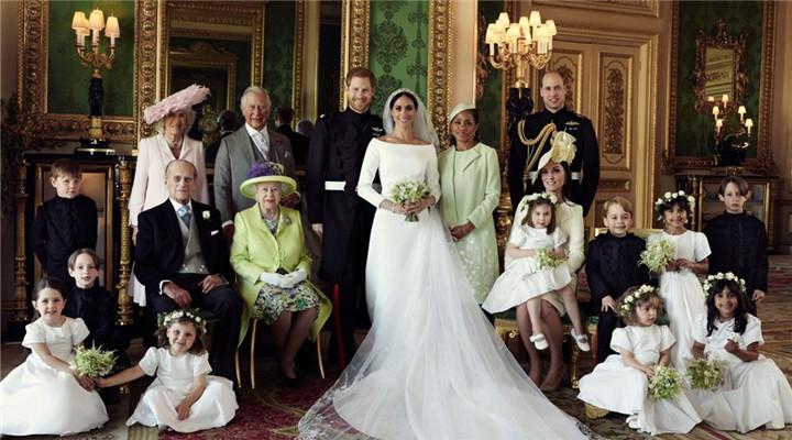 哈里王子夫妇新婚后首现身 英王室全家福更新
