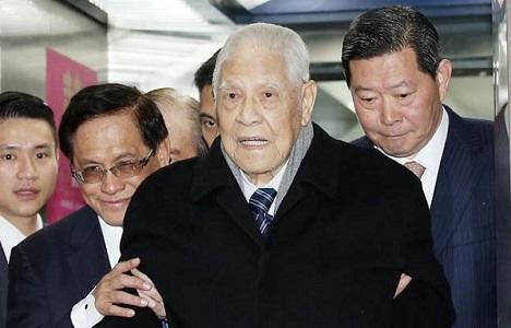 台上台下大变脸 李登辉、陈水扁遭批骑墙投机主义者