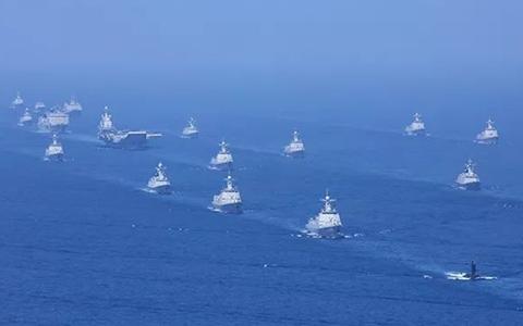 4月12日航母打击作战群等接受检阅.jpg