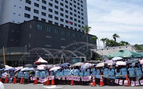 长荣空服员罢工显示「一例一休」修法三输。.jpg