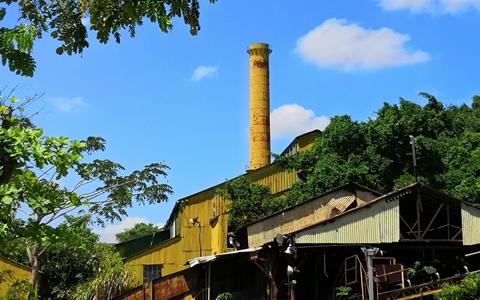 高雄糖厂烟囱.jpg