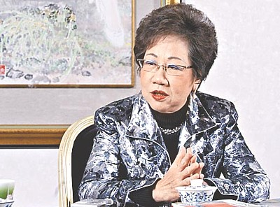 吕秀莲(资料图)  据台湾《联合报》报道,吕秀莲昨天下午到台...