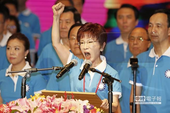 洪秀柱固守北台湾密集造访地方,淡定应对蔡宋冲击。(中时电子报图)