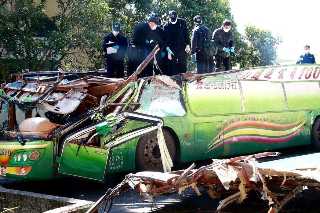 游览车祸致33死 台学者:没盼到蔡英文谈话很失望.jpg