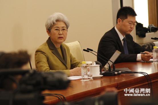 十二届全国人大五次会议新闻发布会举行