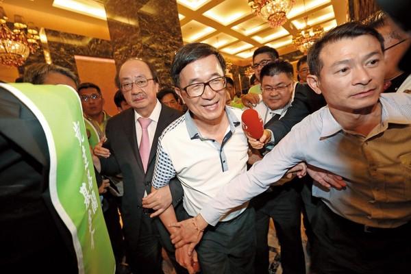 陈水扁呛声蔡英文保外就医被撤销?回笼与否关键在此