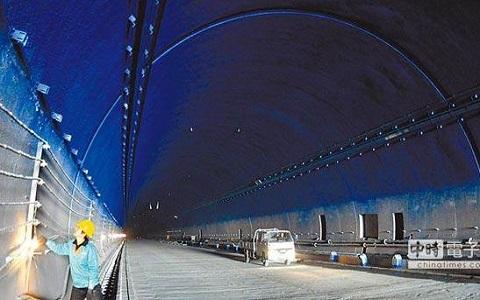 隧道.jpg