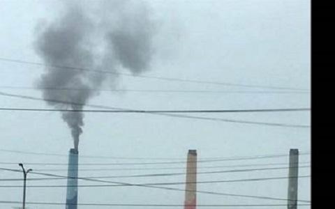 台中电厂冒黑烟