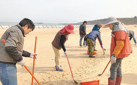 2.15金门海滩重油污染中时1.jpg
