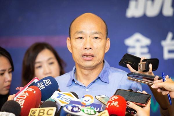 韩国瑜深夜发文:庶民与否不重要 拯救台湾靠你我