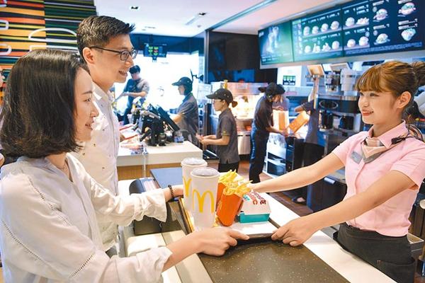 台湾限用塑料吸管 每年可省1亿支