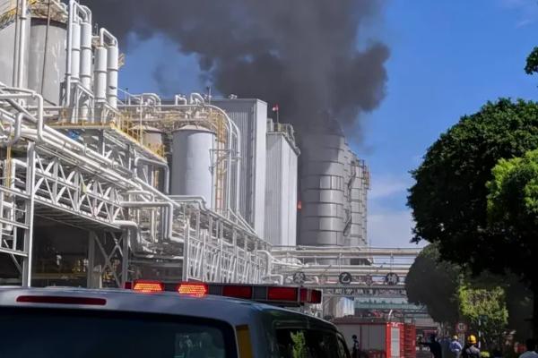 台塑林园厂突发爆炸冒浓烟 高雄市环保局将开罚