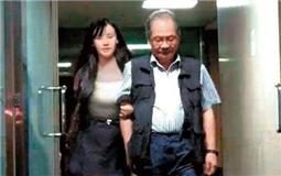 """大佬带头与辣妹讨论""""宇宙大爆炸"""" 民进党要成""""桃花党""""?.jpg"""