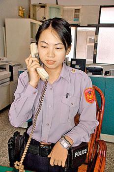 在警察节烧炭自杀的女警张奈诩. 图片来源:台湾《中国时报》-疑与