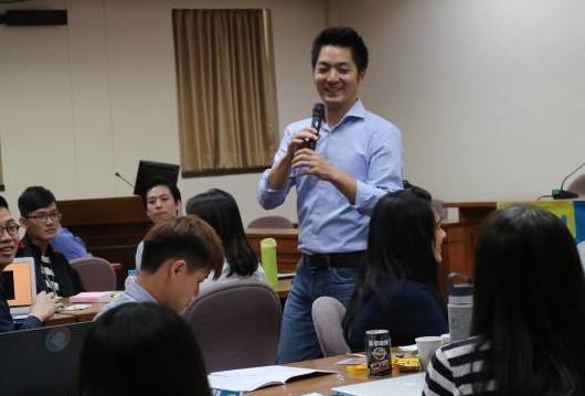 台湾青年失业率维持高位 蒋万安吁培养跨领域人才
