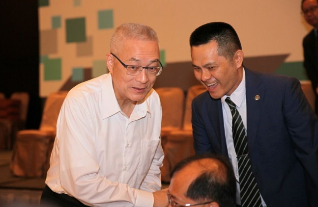 www.pj681.com点击进入吴敦义回应洪秀柱人马全被撤:国民党太穷