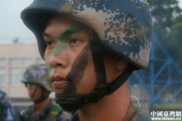 【网络媒体国防行】难以言表的美!看陆战队员们演绎何为铁血军魂