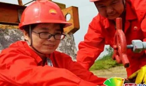 中国人的故事丨人大代表李彩云:采油工中的全国女劳模