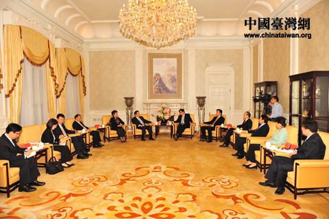 郭金龙会见台北世界贸易中心董事长王志刚一行